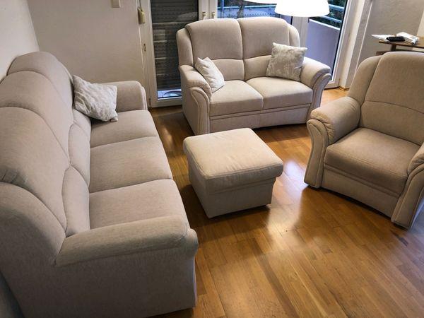 Hochwertige gepflegte helle Couchgarnitur zu