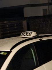 Krankenbeförderer und Taxilenker gesucht