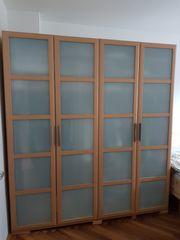 Kleiderschrank 4 Türen mit Milchglaseinsätzen