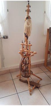 Sehr gut erhaltenes Spinnrad