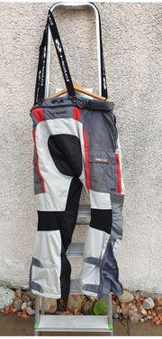 Motorradjacken und Hosen 3 4