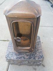 Grablaterne u Weihwasserkessel aus Bronze