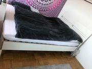 Doppelbett Bett mit Lattenrost