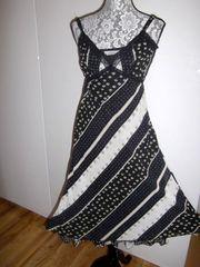 VERO MODA Marken-Spagettiträger-Kleid Schwarz-weiss geblümt