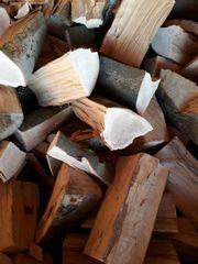 Brennholz Kaminholz Buche gespalten abgelagert