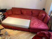 Rote Bettcouch zu verschenken