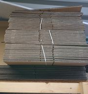 77 Stück Faltkartonagen 367 x