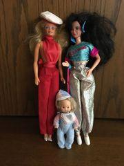 2 Barbie Puppen von Mattel