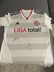 tolles Fc Bayern Trikot signiert