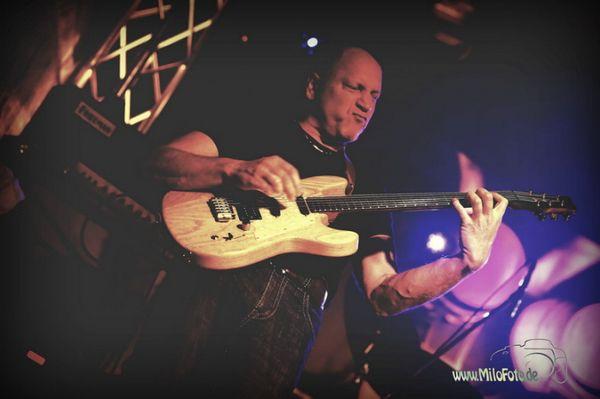 Erfahrener Gitarrist sucht Coverband