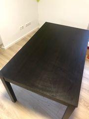Tischgruppe mit 6 Stühlen