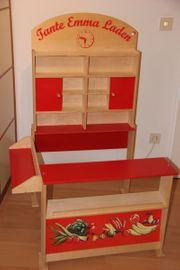 Kaufmannsladen aus Holz für Kinder
