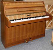 Klein-Klavier Kemble 100 Nußbaum satiniert