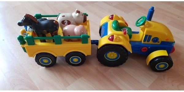 Spieltraktor mit sprechenden Tieren
