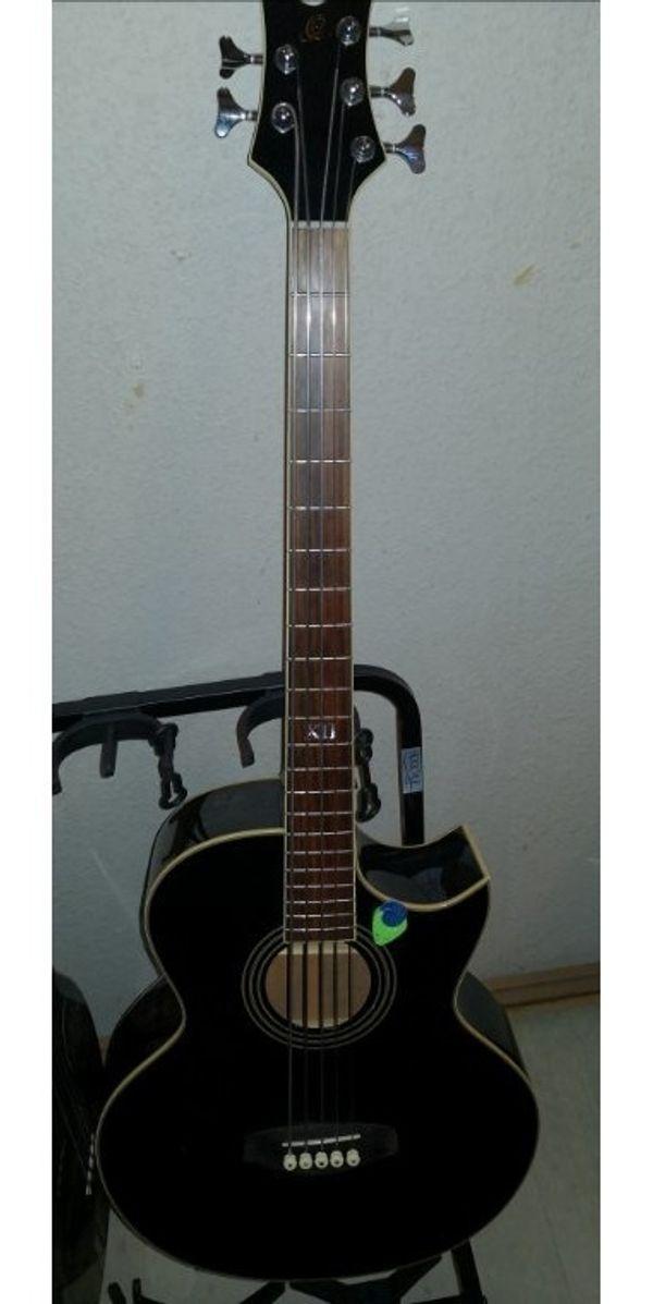 Ortega 5 Saiter akustik bass