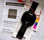 Neue Touch-Armbanduhr LED-Display Milanaiseband mit Magnetverschluß