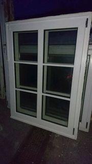 17 einflügige Fenster mit Sproßen