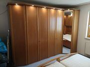 Komplettes Schlafzimmer Kleiderschrank Bett mit