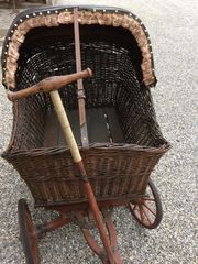 Alter Stubenwagen Antik