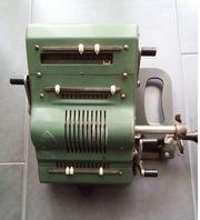 BRUNSVIGA Rechenmaschine 13 RK aus
