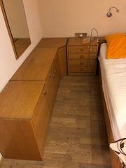Schlafzimmer zu verschenken