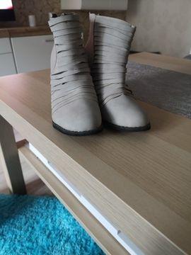 Schuhe, Stiefel - Stiefeletten Grösse 37