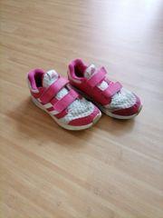 Adidas Kinderturnschuhe Größe 31