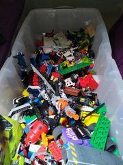 Lego Kiste mit vielen unterschiedlichen