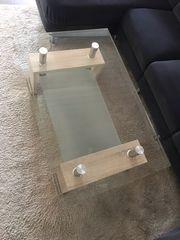 Wohnzimmertisch mit Glas
