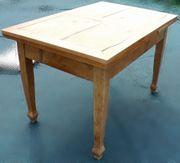 Ausziehbarer alter Tisch aus Kirschholz