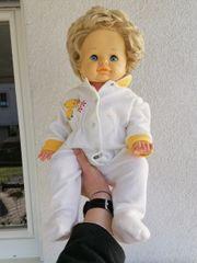 diverse alte Puppen