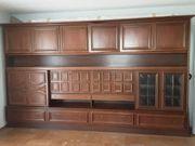 alter Wohnzimmer Schrank