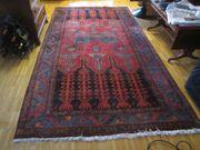 Sehr gut erhaltener handgeknüpfter Teppich