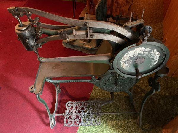 Alte Sattler- Schusternähmaschine
