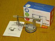 Neuwertige 1 x benutzte Apfel-Schälmaschine