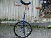 Einrad 20-Zoll mit dem Einradständer