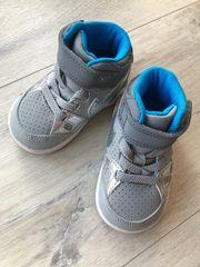 Turnschuhe Nike 18 5