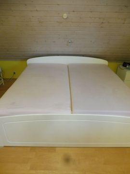 Betten - Schönes weißes Echtholzbett