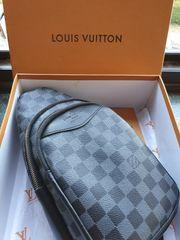 Louis Vuitton Avenue Bag Bauchtasche