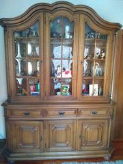 Antiker Eichen-Schrank mit Glasvitrine