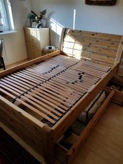 Kiefernbett mit Schubladen 140x200