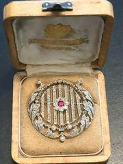 Antike Brosche Platin Diamanten Rubin