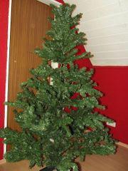 Weihnachtsbaum künstlich nur einmal aufgestellt