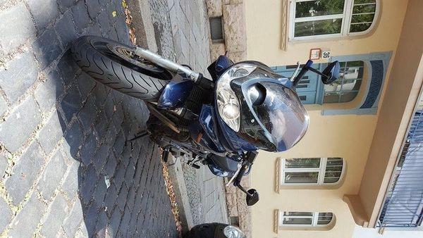 Suzuki Bandit 1200S - Erfurt Krämpfervorstadt - Suzuki, Bandit 1200S, 72 kW, 47000 km, Bj. 2002, EZ 02/2002, blau, TÜV 04/2020, 2. Hand, Sportauspuff, unfallfrei. Biete ich meine Suzuki Bandit 1200 S zum Kauf.Bj 2002Km ca 47000, wird noch gefahrenReifen vorn 75 %, Hinten NEU - Erfurt Krämpfervorstadt
