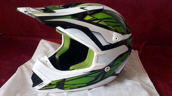 Neuer Moped-Cross Helm