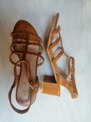 Neue Sandaletten Gr 39