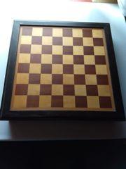 Schachspiel, handgegossen, handbemalt