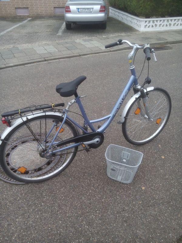 city fahrrad 28 gebraucht kaufen nur 4 st bis 65 g nstiger. Black Bedroom Furniture Sets. Home Design Ideas