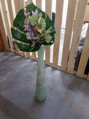hohe Vase aus Glas