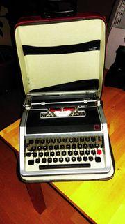 Schreibmaschine mit Etui